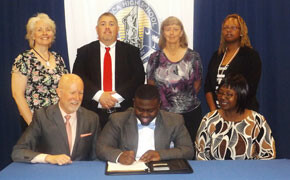 Williams receives Music scholarship