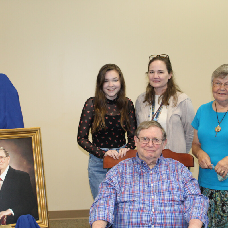 SWU Honors Sinnamon and Voss for Dedicated Service